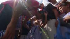 Video «Tennis: Federer mit seinen Töchtern» abspielen