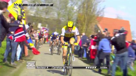 Video «Vanmarcke greift bei Paris-Roubaix mit vollem Risiko an» abspielen