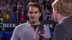 Video «Tennis: Federer im Platzinterview (Englisch)» abspielen