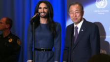 Video «Conchita Wurst verzaubert die UN (unkomm.)» abspielen