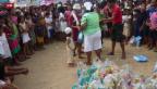 Video «Die Hilfe rollt zaghaft an» abspielen