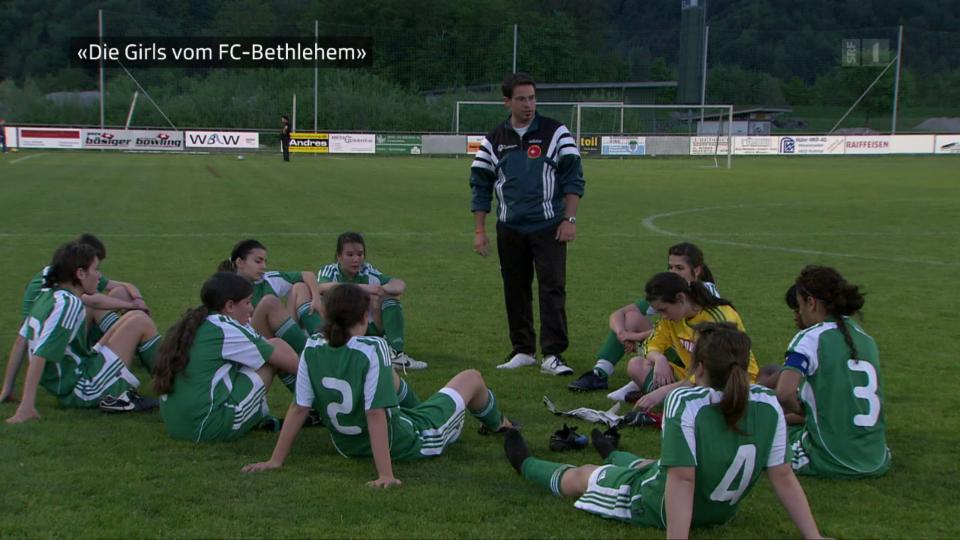 Nur gerade 4 Jahre ist es her, seit Gianluca de Febis die Frauen des FC Bethlehem trainierte.