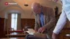Video «Franz Hohlers schreibt Buch über das älteste Buch» abspielen