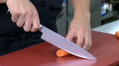 Video «23.09.08: Küchenmesser-Test: Welche gut abschneiden» abspielen