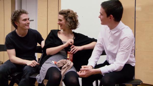 Video «Beziehungen im Test – Antonia und Lion (Folge 2 - Dreizehn Schauspielschüler)» abspielen
