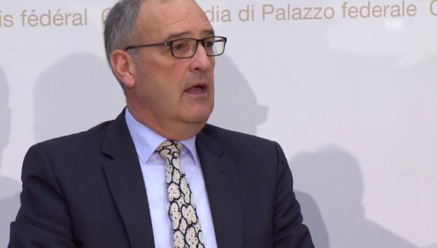 Video «Guy Parmelin zum Verbrauch der Munition in der Armee (französisch)» abspielen
