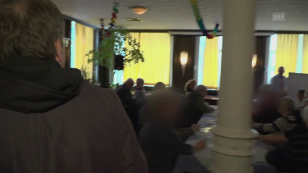 Video «Der «Kassensturz»-Reporter sprengt die Verkaufsvorstellung» abspielen
