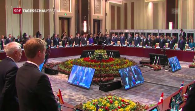 Video «Schweigeminute am ASEM-Gipfel» abspielen