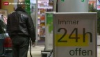 Video «Nachwahlbefragung zur Vorlage über Tankstellenangebot» abspielen