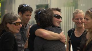 Video «Gedenkfeier für Freunde und Bekannte von Ueli Steck» abspielen