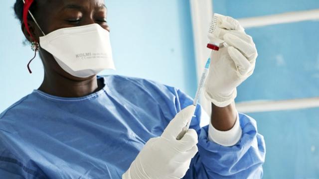 Aus dem Archiv: Neues Medikament im Kampf gegen Ebola