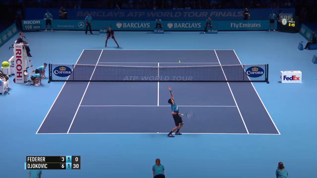 Tennis: ATP Finals 2015, Final Federer - Djokovic, herrlicher Rückhand-Winner des Schweizers