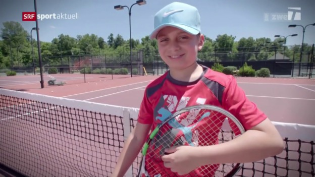 Video «Federer erfüllt einen ganz besonderen Kinderwunsch» abspielen