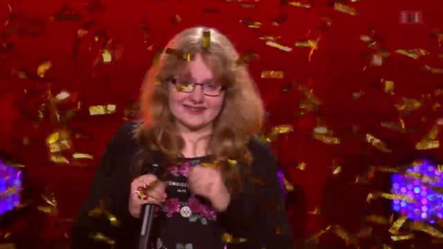 Video «Amelia Werlen - goldener Buzzer von Gilbert Gress» abspielen