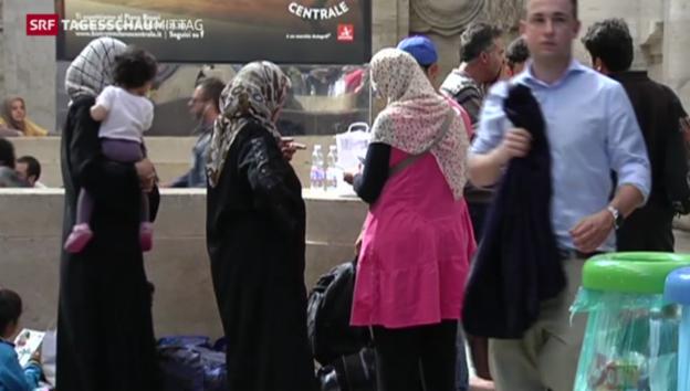 Video «Syrische Flüchtlinge stranden in Mailand» abspielen