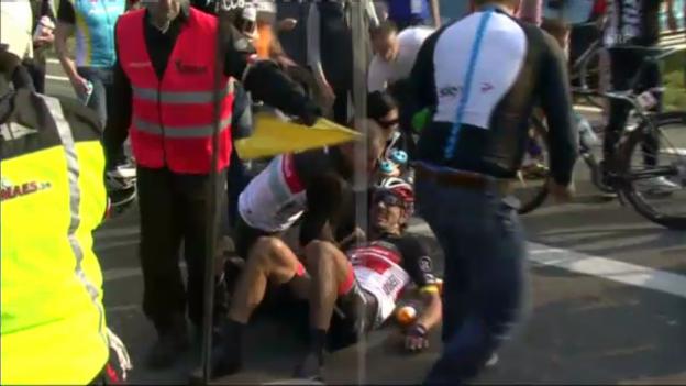 Video «GP E3: Cancellaras Pech 2012» abspielen