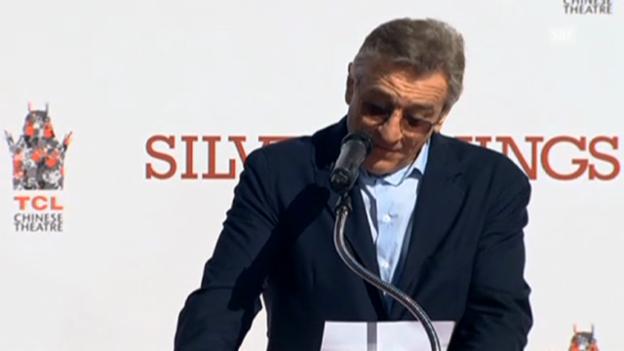 Video «Robert de Niro bedankt sich vor dem Chinese Theatre» abspielen