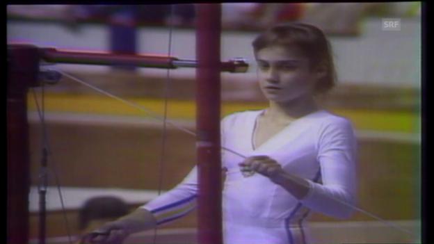 Video «Heute vor 40 Jahren: Comaneci turnt die erste perfekte Übung» abspielen