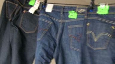 Video «Jeans im Test: Die Nieten unter den Hosen» abspielen