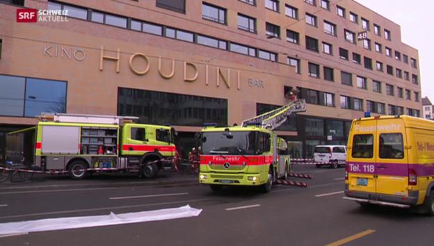 Video «Hoher Sachschaden nach Brand in Kino-Komplex» abspielen