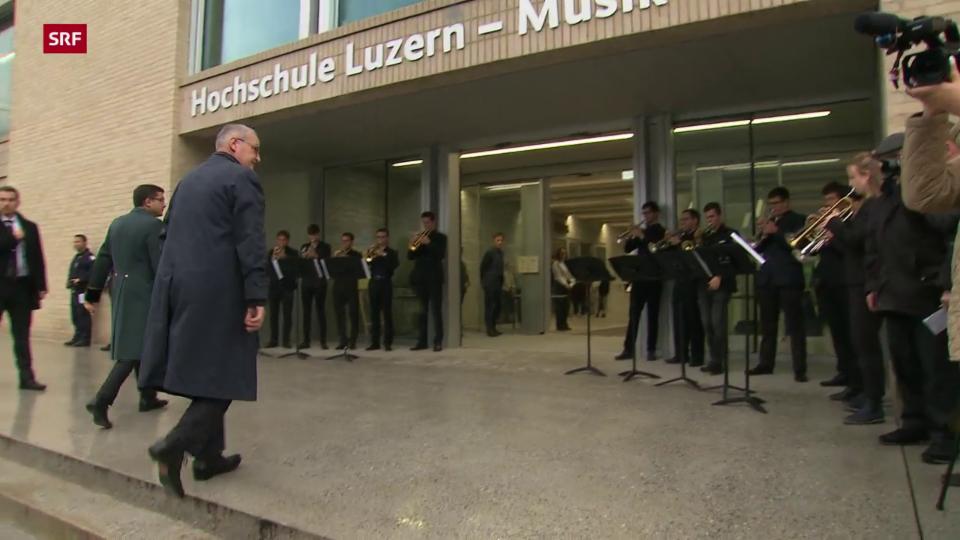 Luzern empfängt den Bundesrat musikalisch
