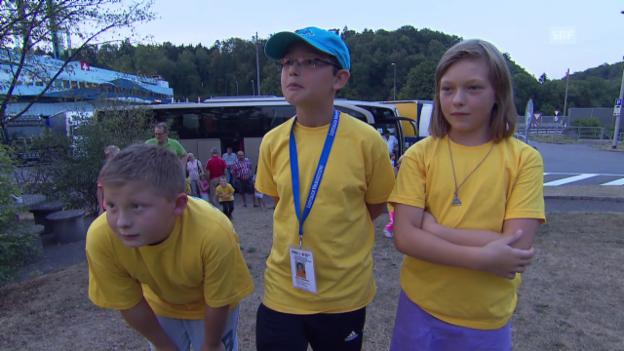 Video «Kinder auf dem Heimweg nach Deutschland» abspielen