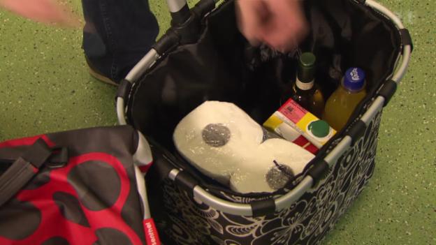 Video «Einkaufstrolley-Test: Mit billigen Wägeli fährt man gut» abspielen