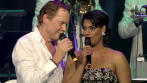 Video «Sarah-Jane mit Peter Kraus im Duett» abspielen