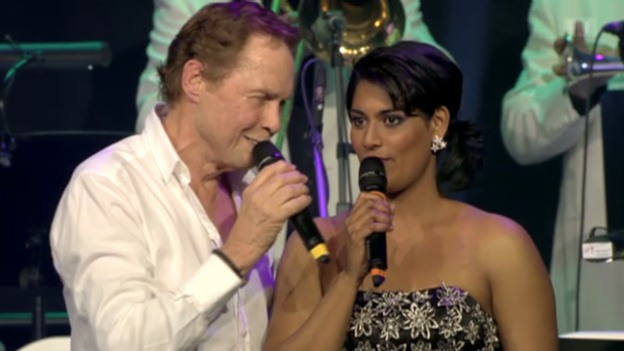Video «Sarah-Jane im Duett mit Idol Peter Kraus» abspielen