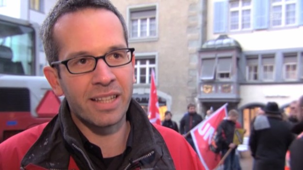 Video «Roman Burger, Unia, über den Zweck von Gewerkschaften» abspielen