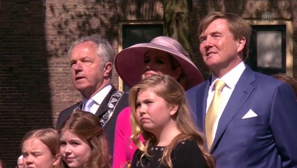 Die Niederlande feiern ihren König und seine Familie (unkomm.)