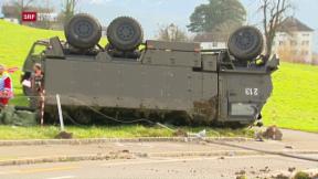 Video «Selbstunfall mit Militärfahrzeug » abspielen
