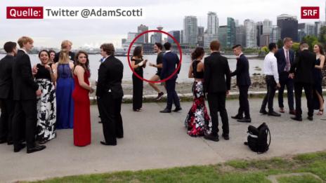 Link öffnet eine Lightbox. Video Abschlussball-Bild mit Justin Trudeau abspielen