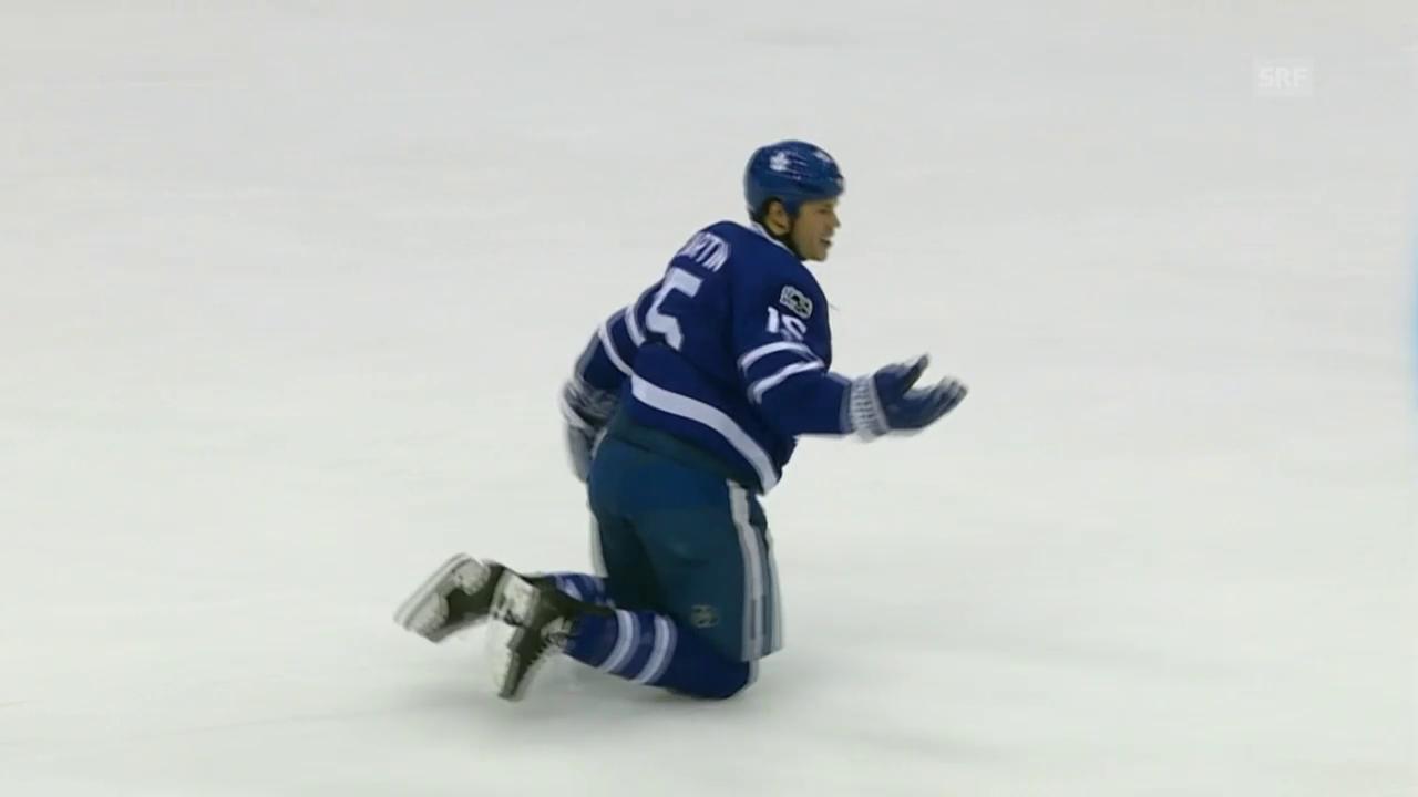 Martin Matt muss rutschend vom Eis