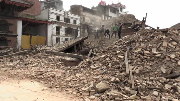 Video «Das Epizentrum des Bebens lag bei der Hauptstadt Kathmandu» abspielen