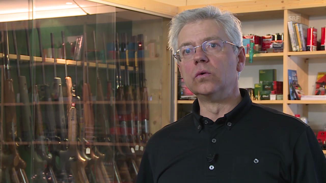 Büchsenmacher Michael Koller stellt bleifreie Munition her