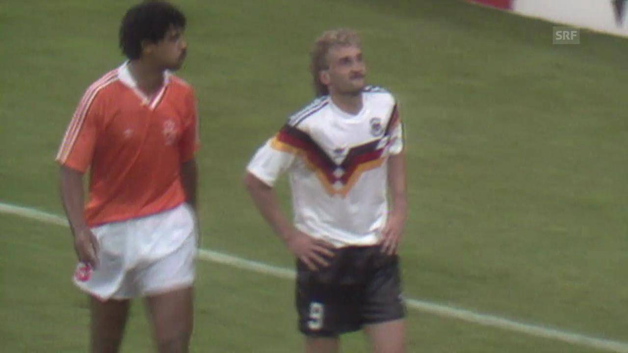 Fussball: WM 1990, GER-NED, Rijkaard vs. Völler