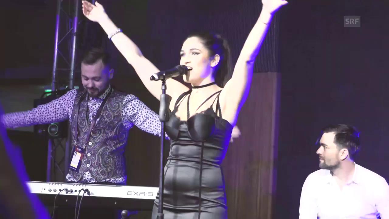 Timebelle performen «Apollo» an der Wiwibloggs-Party