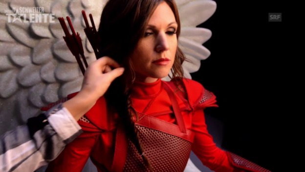 Video «Viola «Hunger Games» Fotoshooting Making-of» abspielen