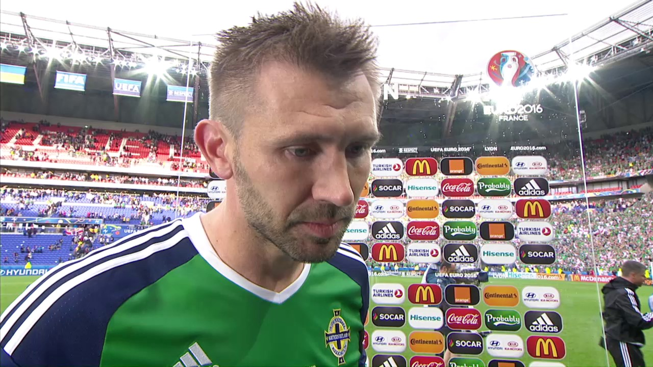 Nordirlands Torschütze Gareth McAuley gibt Auskunft
