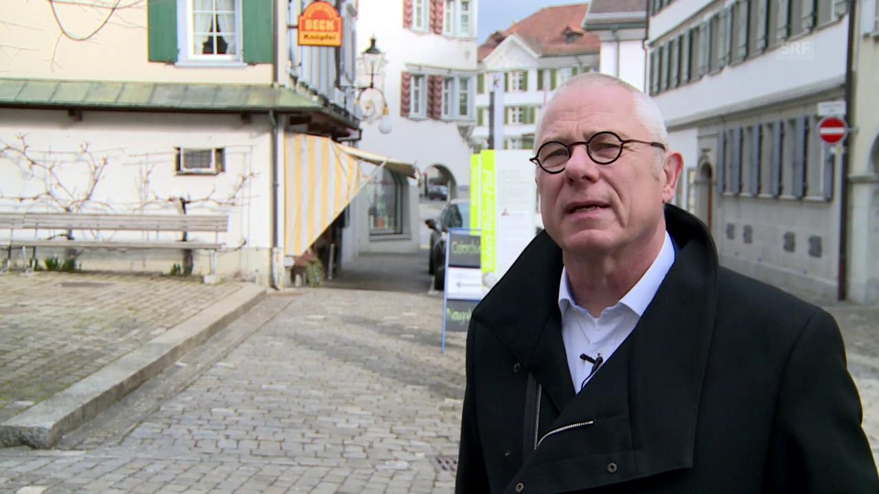 Gemeindepräsident Renzo Andreani zeigt sein Herisau