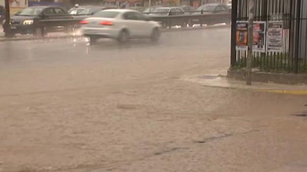 Video «Überschwemmungen in Athen» abspielen