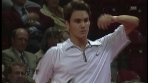 Video «1998: Federer gab in Basel seinen Einstand gegen Andre Agassi» abspielen