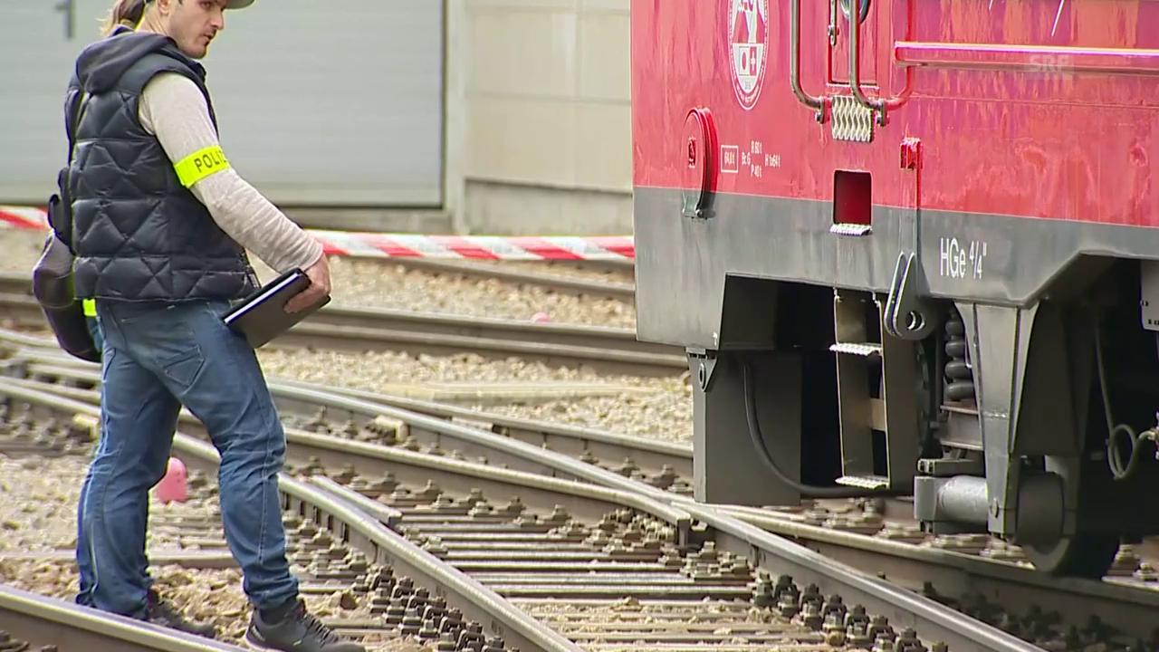 Lokomotive rammt Zugkomposition in Andermatt
