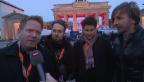 Video «Grosser Auftritt: Schweizer Band spielt vor Riesenpublikum» abspielen