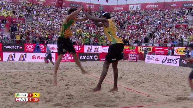 Video «Satz, Sieg und das Tänzchen der Brasilianer» abspielen