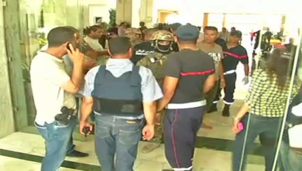 Video «Sousse: Sicherheitskräfte im Einsatz» abspielen