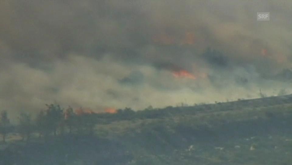 Waldbrand wütet in Kalifornien (engl.)