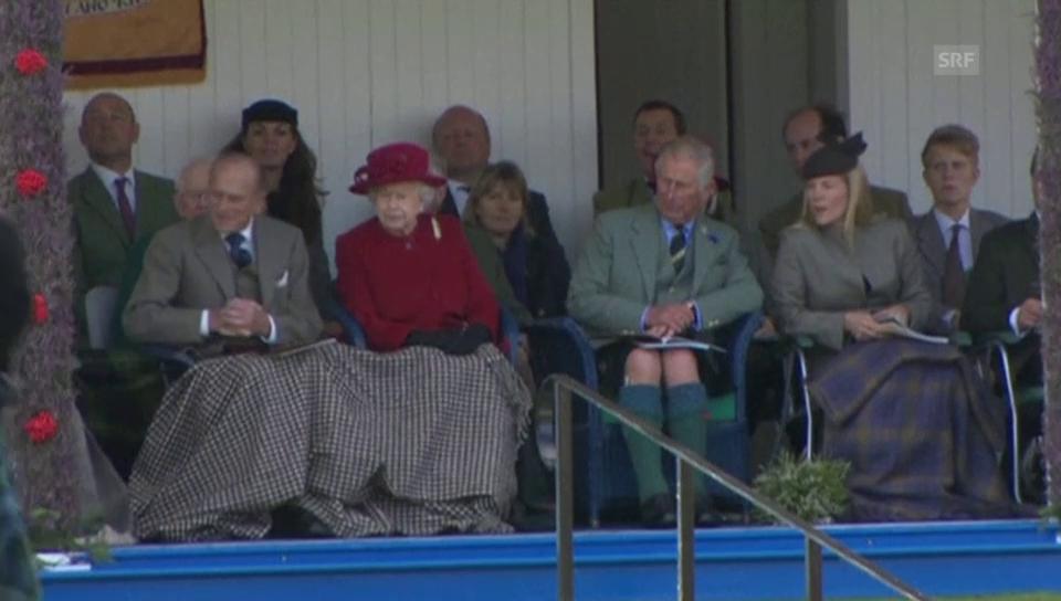 Die Queen an den «Highland-Games» (unkomm. Video)