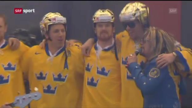 Video «Eishockey: Ehrung der schwedischen Weltmeister («sportaktuell»)» abspielen